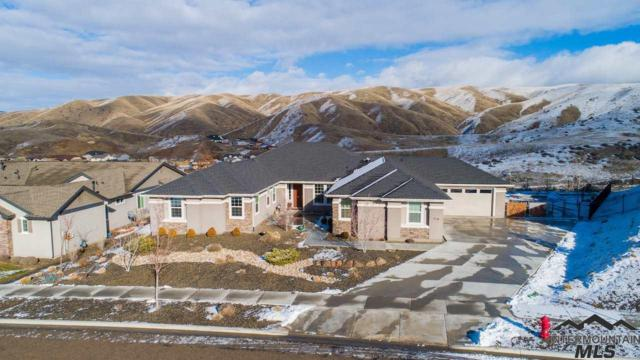 5208 W Parkridge Dr, Boise, ID 83714 (MLS #98715376) :: Jackie Rudolph Real Estate