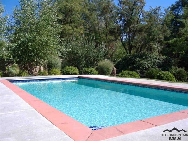 781 S Thornwood Way, Meridian, ID 83642 (MLS #98717069) :: Jon Gosche Real Estate, LLC