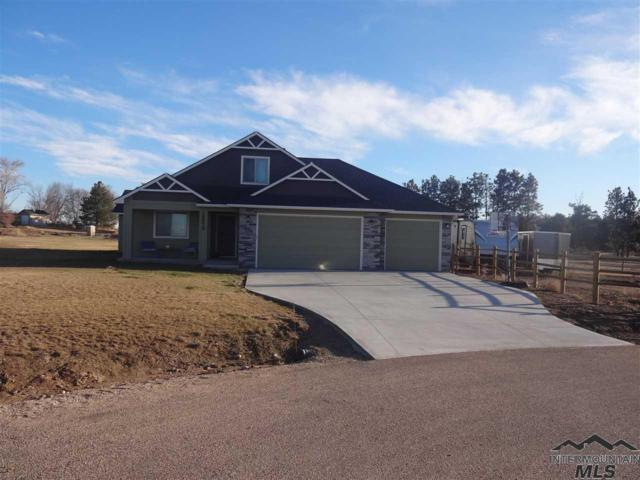 15579 Whispering Pine Ct, Caldwell, ID 83607 (MLS #98717169) :: Jon Gosche Real Estate, LLC