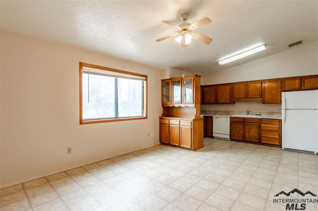1711 S 1st St #9 #9, Nampa, ID 83651 (MLS #98721920) :: Team One Group Real Estate