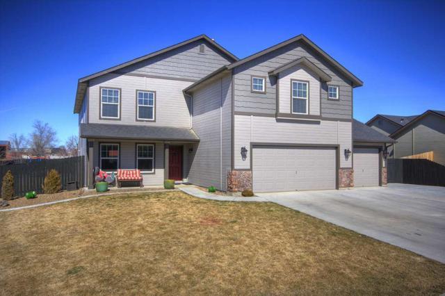 1690 NE Urwin St, Mountain Home, ID 83647 (MLS #98722137) :: New View Team
