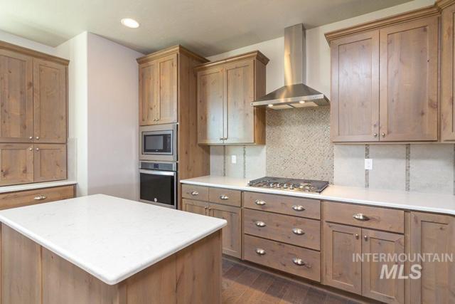 5712 W Montage Ct., Eagle, ID 83616 (MLS #98722231) :: Jon Gosche Real Estate, LLC