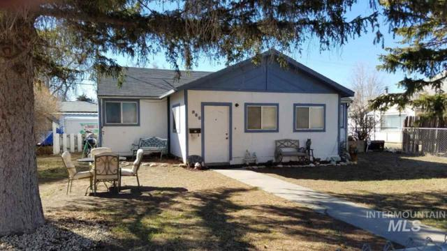 285 S 11th E, Mountain Home, ID 83647 (MLS #98722240) :: Boise River Realty