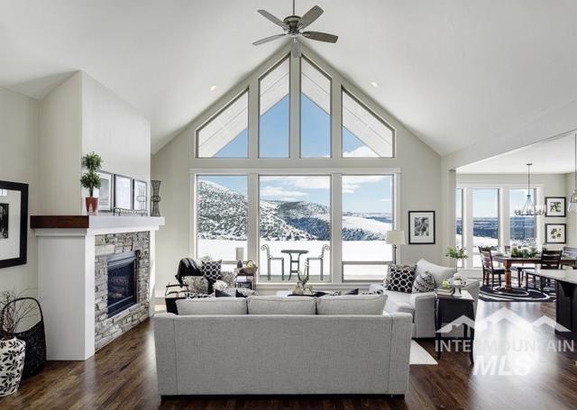 9099 W Suttle Lake Drive, Boise, ID 83714 (MLS #98726248) :: Boise Valley Real Estate
