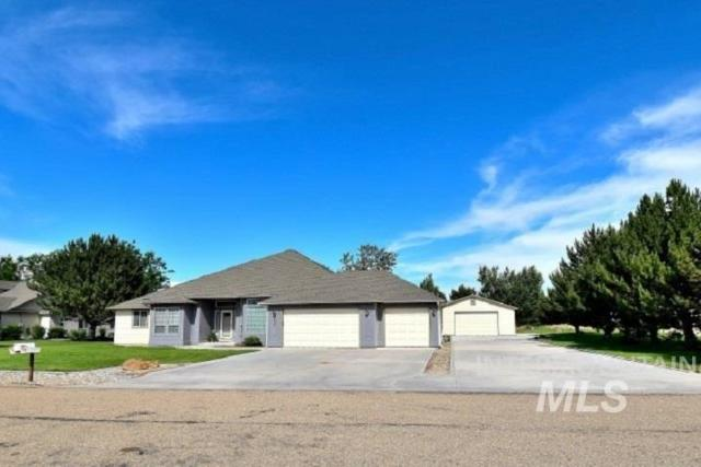 501 E Fujii, Nampa, ID 83686 (MLS #98733612) :: Jackie Rudolph Real Estate