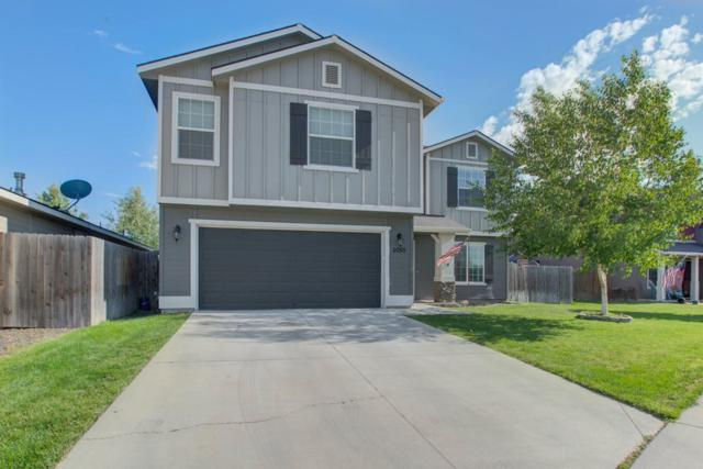 2055 E Wrightwood Dr, Meridian, ID 83642 (MLS #98736139) :: New View Team