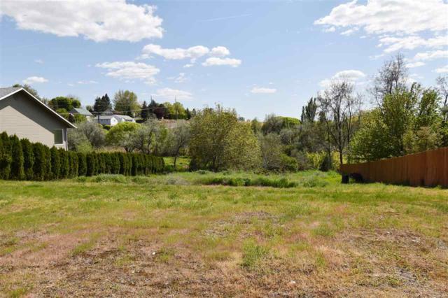932 Grelle Avenue, Lewiston, ID 83501 (MLS #98736556) :: Jon Gosche Real Estate, LLC