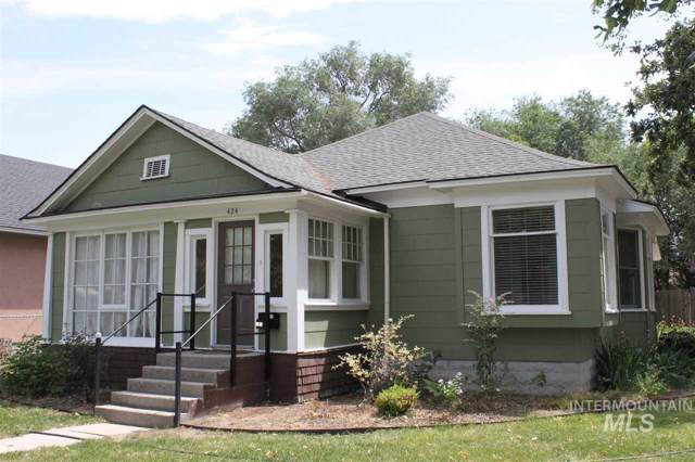 424 14th Avenue S, Nampa, ID 83651 (MLS #98740373) :: Team One Group Real Estate