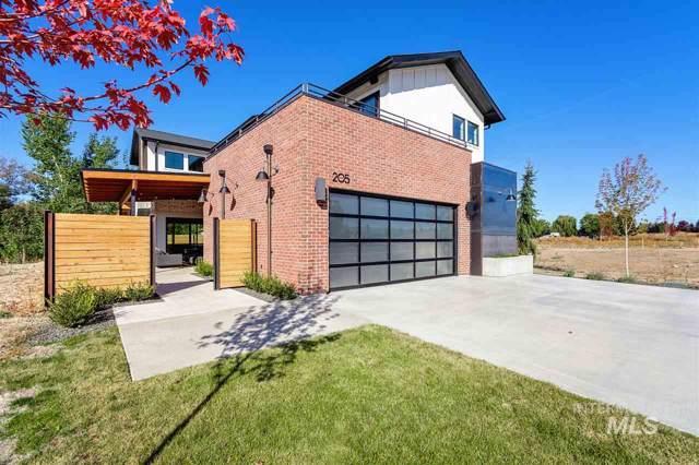 205 S Steel Farm Ave, Eagle, ID 83616 (MLS #98746790) :: Full Sail Real Estate