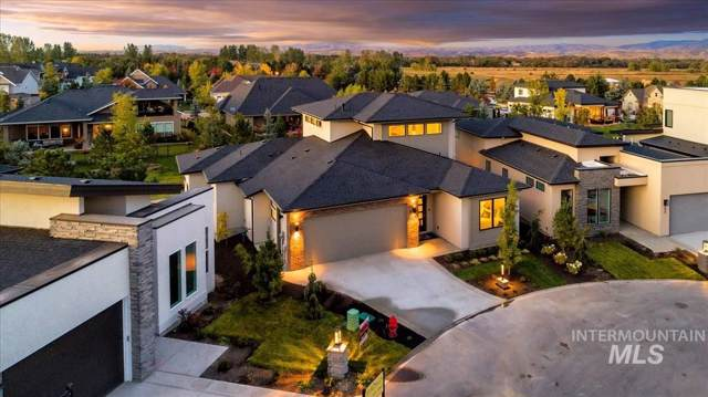 684 E Brooktrail Lane, Eagle, ID 83616 (MLS #98746848) :: Jon Gosche Real Estate, LLC