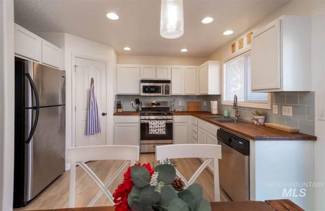 3499 N Bottle Brush Ave, Boise, ID 83713 (MLS #98752148) :: Idaho Real Estate Pros