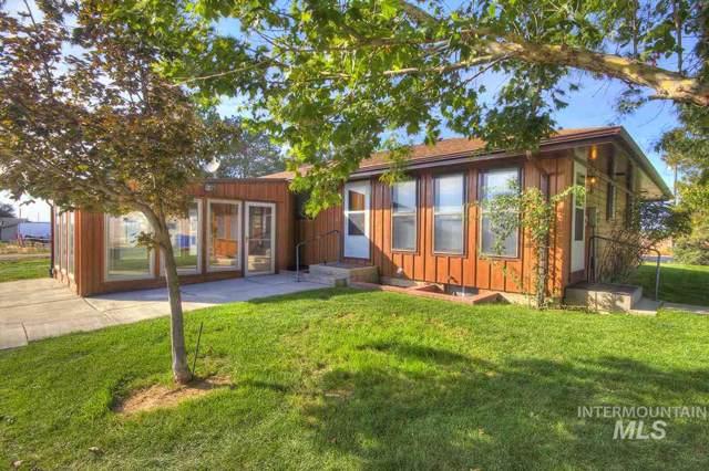 9805 W Kuna Road, Kuna, ID 83634 (MLS #98753667) :: Full Sail Real Estate