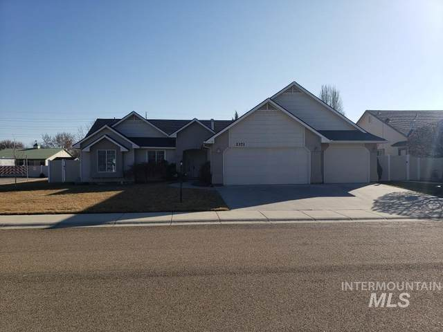 2371 W Apgar Creek, Meridian, ID 83646 (MLS #98757578) :: Idaho Real Estate Pros