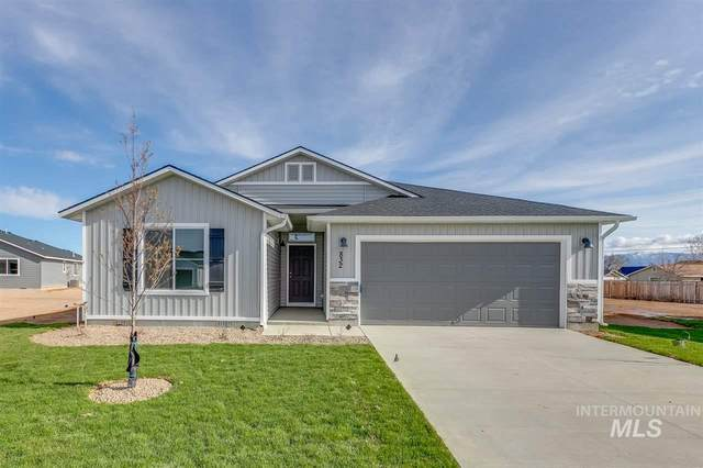 832 SW Levant Way, Mountain Home, ID 83647 (MLS #98762362) :: Juniper Realty Group