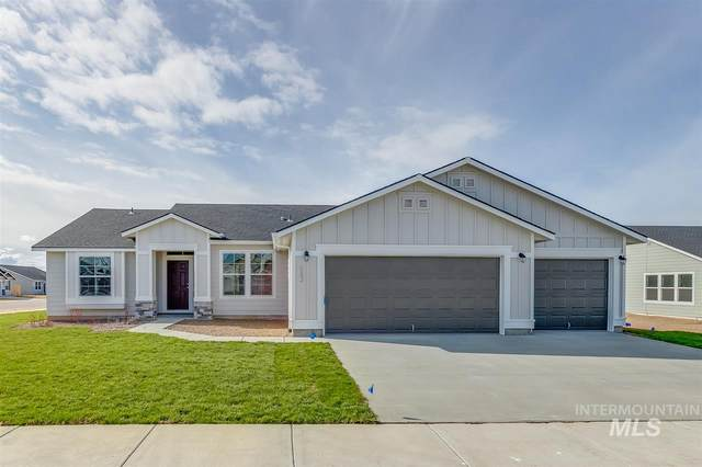 843 SW Levant Way, Mountain Home, ID 83647 (MLS #98762375) :: Juniper Realty Group