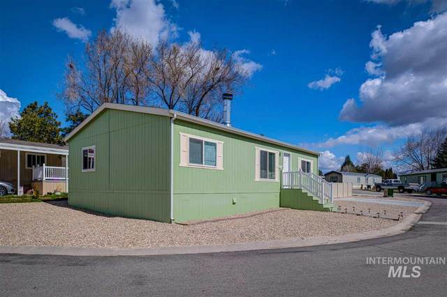 8226 S Blue Rim Ln, Boise, ID 83716 (MLS #98762839) :: Team One Group Real Estate