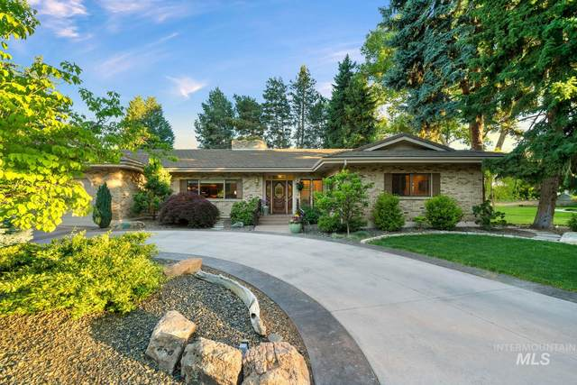 4701 W Hillcrest View Dr, Boise, ID 83705 (MLS #98768023) :: Boise River Realty