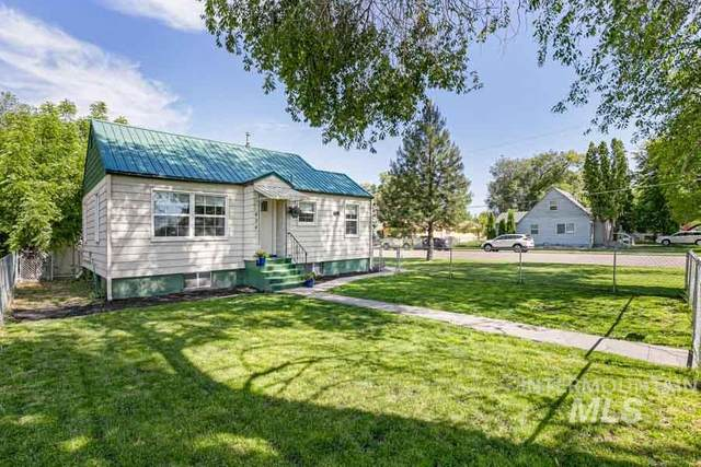 424 S Maple Street, Nampa, ID 83686 (MLS #98768443) :: Team One Group Real Estate