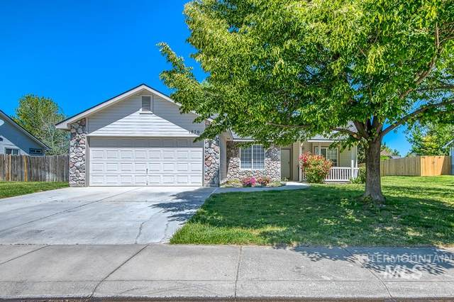 1876 W Mulhuland Ct., Kuna, ID 83634 (MLS #98768514) :: Juniper Realty Group