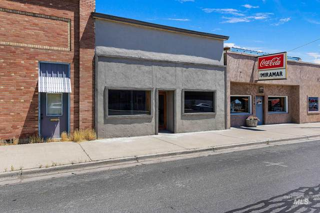 210 Main Street, Gooding, ID 83330 (MLS #98771712) :: Michael Ryan Real Estate