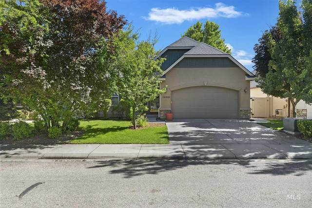 1465 W Loretta, Meridian, ID 83646 (MLS #98772690) :: Team One Group Real Estate