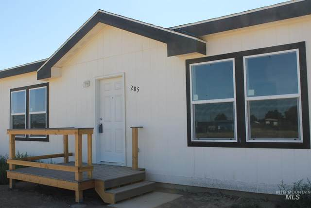 285 SW Sky Blue Way, Mountain Home, ID 83647 (MLS #98774169) :: Navigate Real Estate