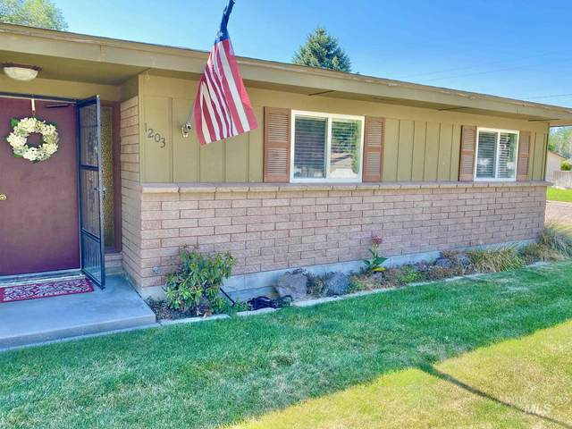 1203 Garland St., Nampa, ID 83686 (MLS #98776143) :: Minegar Gamble Premier Real Estate Services