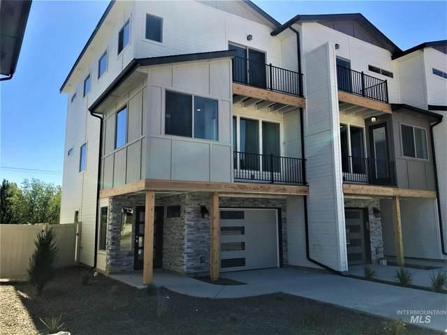 7755 W Crestwood Drive, Boise, ID 83704 (MLS #98778268) :: Full Sail Real Estate
