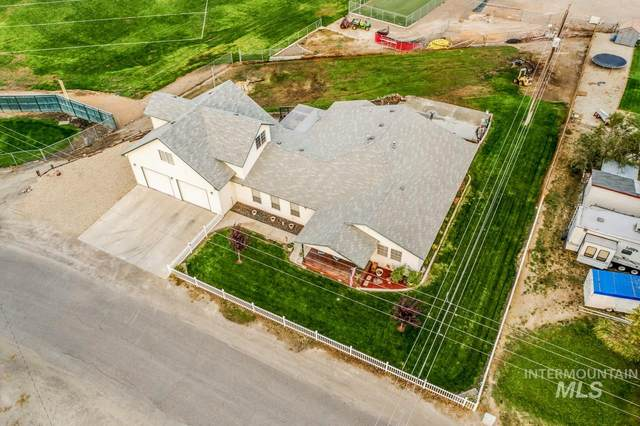 112 E 3RD ST, Homedale, ID 83628 (MLS #98781300) :: City of Trees Real Estate
