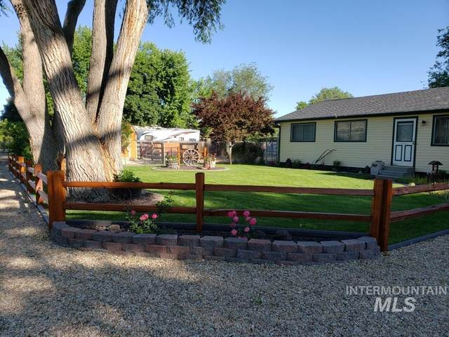 10472 W Shields Avenue, Boise, ID 83714 (MLS #98787413) :: Shannon Metcalf Realty