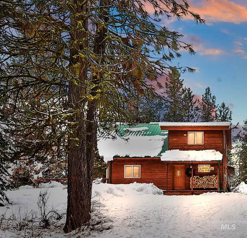 335 Warm Lake Rd, Cascade, ID 83611 (MLS #98790711) :: Team One Group Real Estate