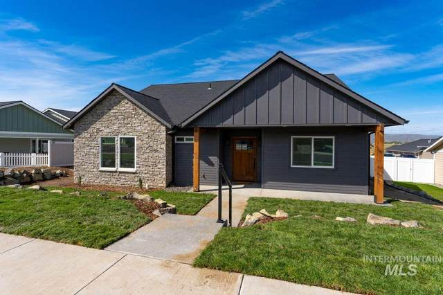 1727 Pioneer Drive, Lewiston, ID 83501 (MLS #98791196) :: The Bean Team