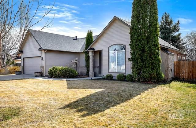 499 W Bosanka, Eagle, ID 83616 (MLS #98796554) :: City of Trees Real Estate