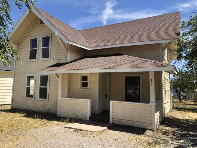 220 8th Ave. S., Buhl, ID 83316 (MLS #98796560) :: Boise Home Pros