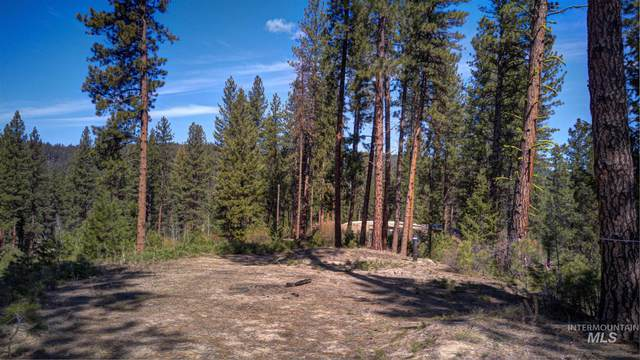 Lot 2 BLK 1 Crescent Circle, Idaho City, ID 83631 (MLS #98797489) :: Epic Realty