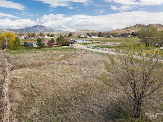 27xx E Main St, Emmett, ID 83617 (MLS #98798002) :: Jon Gosche Real Estate, LLC