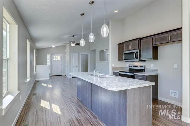 420 1st Street, Notus, ID 83656 (MLS #98799178) :: Build Idaho