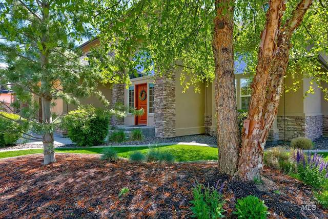 877 W Headwaters Dr., Eagle, ID 83616 (MLS #98802593) :: Story Real Estate