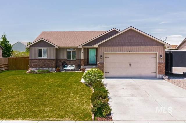 3497 N Volcanic Ave, Idaho Falls, ID 83401 (MLS #98802756) :: Michael Ryan Real Estate