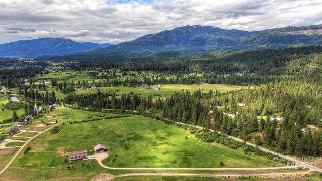 651 Middle Fork Road, Garden Valley, ID 83622 (MLS #98805392) :: The Bean Team