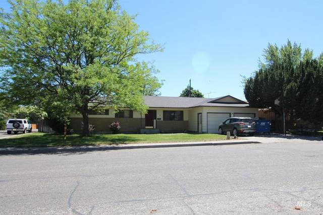 885 E 15th North, Mountain Home, ID 83647 (MLS #98806162) :: Beasley Realty