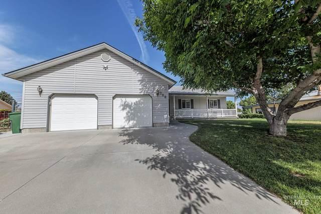 308 NW 17th St, Ontario, OR 97914 (MLS #98806955) :: Michael Ryan Real Estate
