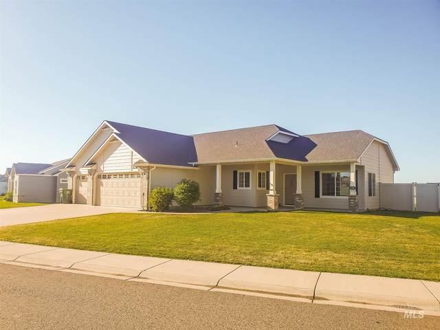 2736 Spruce Drive, Fruitland, ID 83619 (MLS #98807408) :: Michael Ryan Real Estate