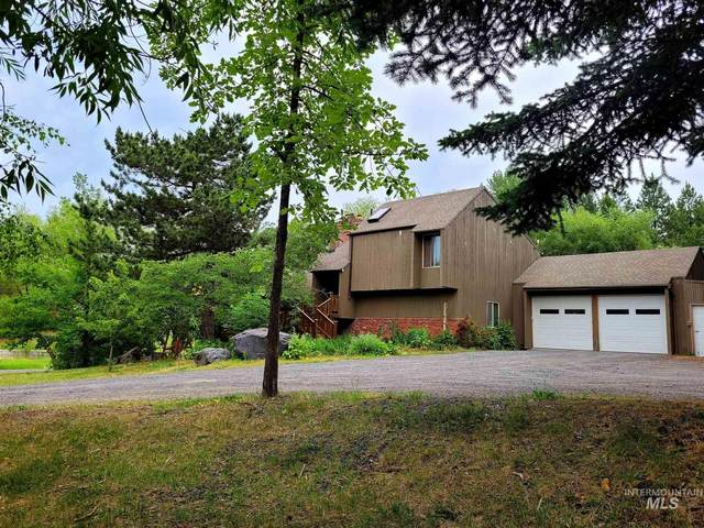 1112 Pine Crest Rd., Moscow, ID 83843 (MLS #98808028) :: Full Sail Real Estate