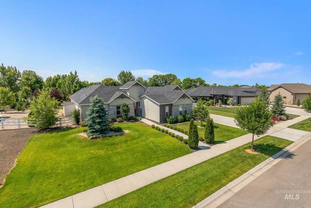 3300 Champagne St., Eagle, ID 83616 (MLS #98808057) :: Boise Valley Real Estate