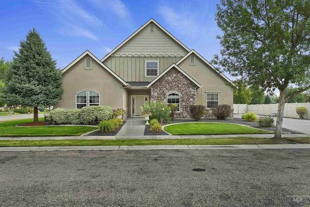 724 N Cactus Creek Ave, Eagle, ID 83616 (MLS #98808884) :: First Service Group