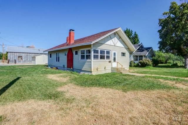 703 N Washington, Emmett, ID 83617 (MLS #98809599) :: Bafundi Real Estate