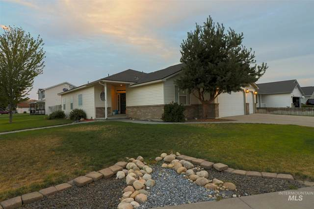 102 NE Victor Gust Dr, Mountain Home, ID 83647 (MLS #98811386) :: Jeremy Orton Real Estate Group