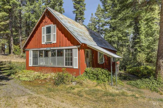 596 West Mountain Road, Cascade, ID 83611 (MLS #98811689) :: Team One Group Real Estate