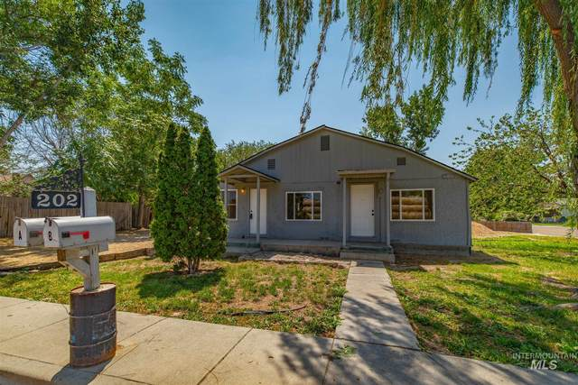 202 Galveston, Caldwell, ID 83605 (MLS #98811944) :: City of Trees Real Estate